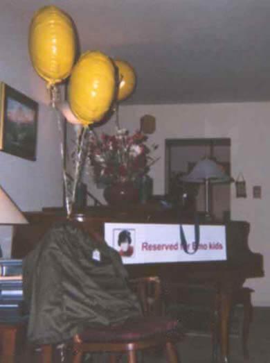 Original Mall Monkeys Party - photo #2